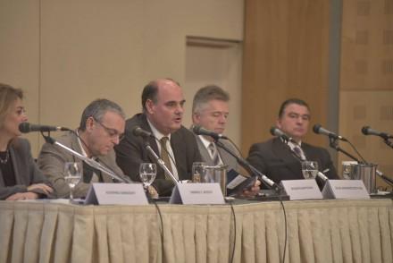 Στην Ένωση Ελλήνων Νομικών e-Θέμις, που διοργανώνει τη 2η Διημερίδα με θέμα'' Επίκαιρα Ζητήματα Φορολογικού Δικαίου'' στο Ξενοδοχείο Divani Caravel ,στις 12 Δεκεμβρίου 2015.