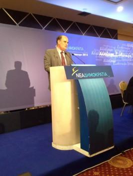 Κλείνοντας την προσυνδιάσκεψη της Ν.Δ στην Καστοριά,στις 16 Ιουνίου 2015.