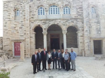 Από την επίσκεψή μου στην Πάρο στο πλαίσιο της εκδήλωσης της ΔΗΜ-ΤΟ Πάρου-Αντιπάρου .Παρακολούθηση της Θείας Λειτουργίας στον Ιερό Ναό της Εκατονταπυλιανής,στις 23 Οκτωβρίου 2016.