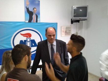 Στη Λευκάδα συζητώντας με τα νέα παιδιά και ακούγοντας τους προβληματισμούς και τις αγωνίες τους,στις 16 Ιουνίου 2015.