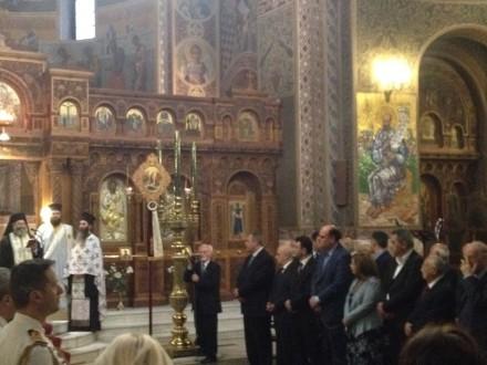 Τιμώντας ως εκπρόσωπος του Προέδρου της ΝΔ Κυριάκου Μητσοτάκη την ημέρα μνήμης της Γενοκτονίας των Ποντίων στην επίσημη δοξολογία του Αγίου Διονυσίου στο Κολωνάκι.Ακολούθησε κατάθεση στεφάνου,στις 19 Μαΐου 2016.